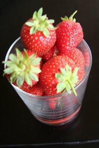 Foto Frische Erdbeeren in einem Glas